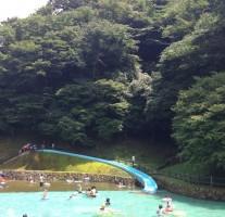 グリーンピアなかがわのキャンプ村にあるプールで水遊びしてきました。