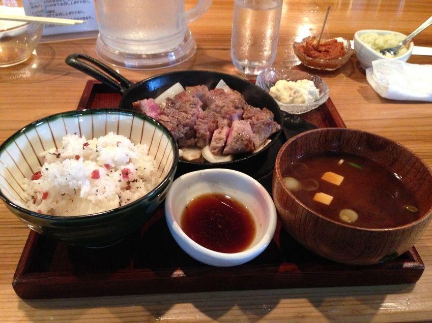 十一の豚ステーキ定食写真
