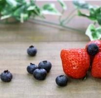 ケロッグの厳選素材 フルーツグラノラはフルーツがいっぱい。