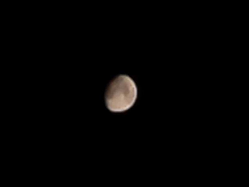 AE/AFロックしてiPhoneで撮った月の写真