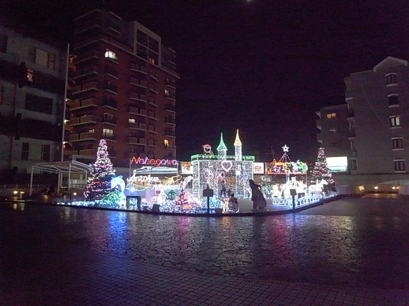 JR博多南駅前デッキのイルミネーション