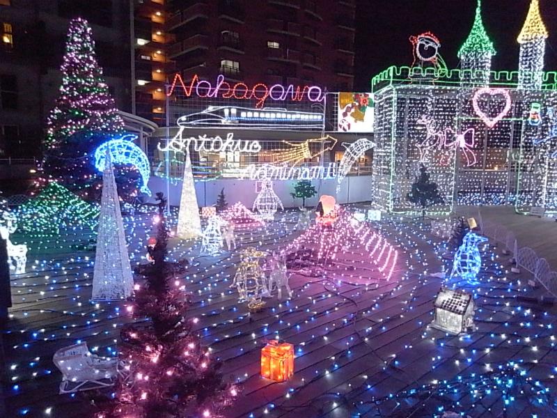 JR博多南駅前デッキのLED