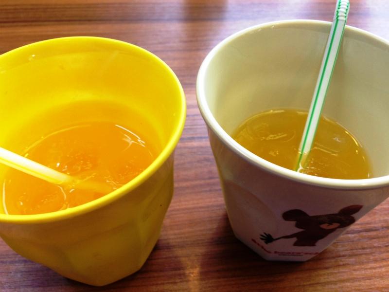 バソキ屋春日店オレンジジュース