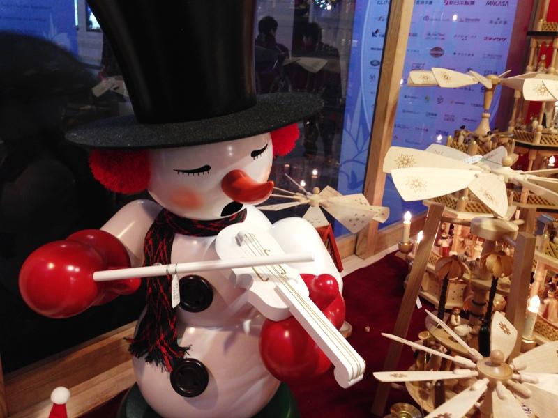クリスマスマーケットのヒュッテ