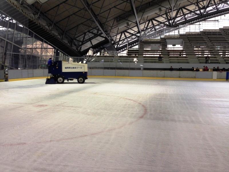 スケートリンク整氷作業