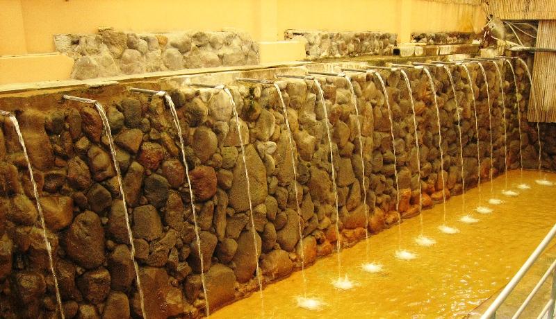 別府・ひょうたん温泉の滝湯