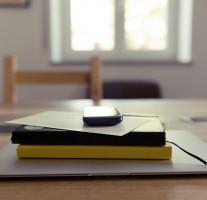 フリーランスはスケジュール管理が大事。仕事の優先順位を付けて効率アップ。