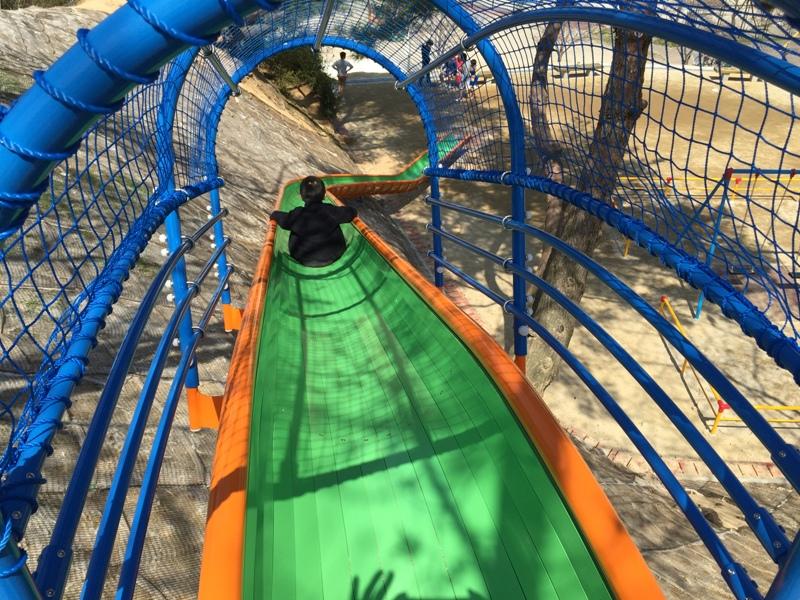 片江中央公園の滑り台