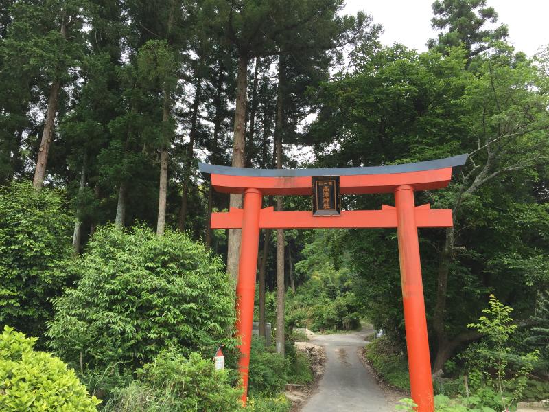 高津神社一の鳥居