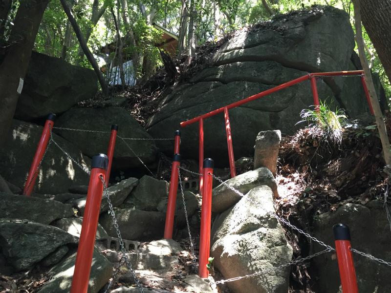 140段余りの石段