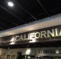 肉をガッツリ食べたい時はヨドバシ博多の『Hamburgsteak CALIFORNIA』!