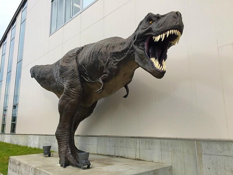 ティラノサウルスのオブジェ