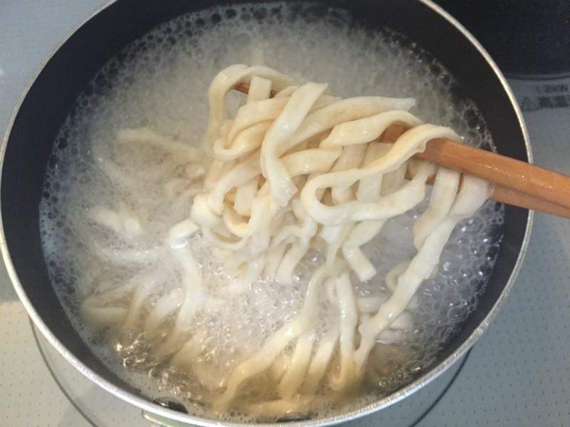 麺をほぐして2分