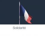 国内3位のアクセス数を誇るAmazonのトップページがフランス国旗と「団結」を表す「Solidarité」の表示に。