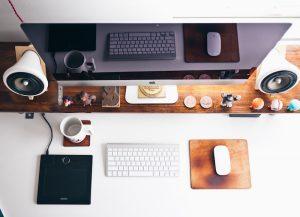 WEBサイト制作が忙しい時期は賃貸業界の繁忙期と似ている。なぜか理由がわからないけど。