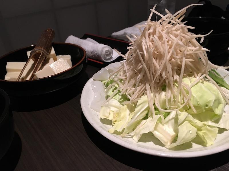 豆腐トッピングとごぼうたっぷり